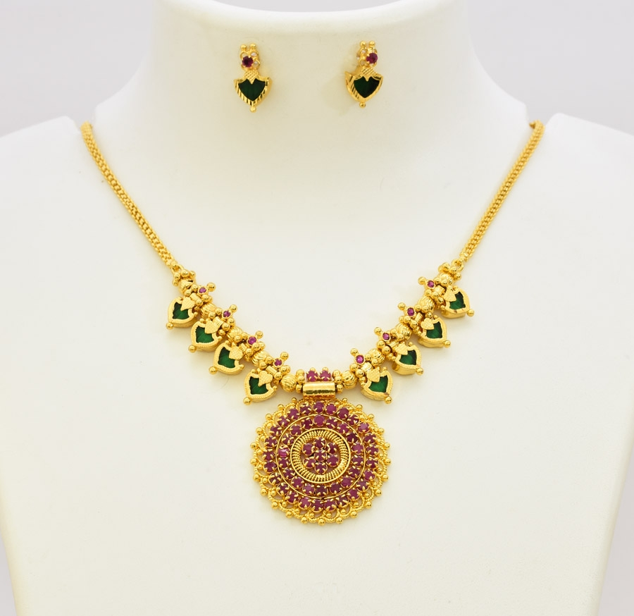Magenta Green Royal Palakka Necklace With Stud - T06647